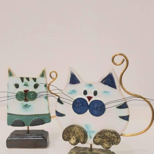 Χειροποίητη Επιτραπέζια Γάτα από Ορείχαλκο και Πορσελάνη Μπλε 18x15x4cm