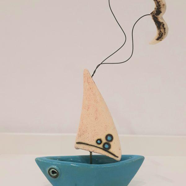 Τρισδιάστατη Βάρκα με Λευκό Πανί και Πορσελάνη Γαλάζια Μικρή 13x7x25cm