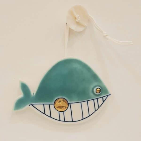 Χειροποίητη Επιτοίχια Φάλαινα από Πορσελάνη Πράσινη 13x10x1cm