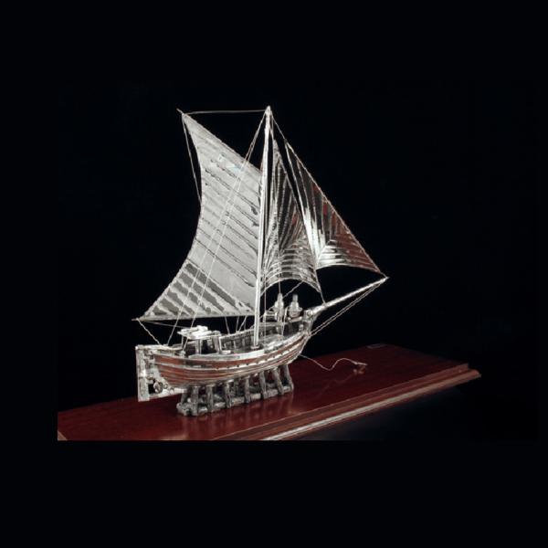 Ασημένια Μινιατούρα Καΐκι σε βάση 49x17x34 cm
