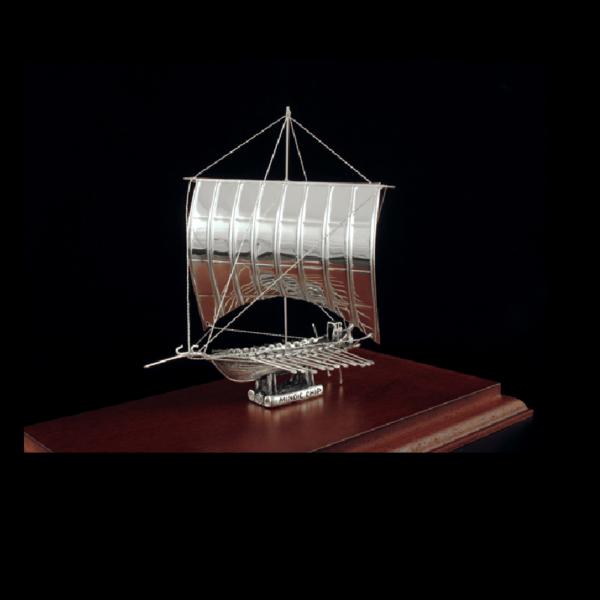 Ασημένια Μινιατούρα Πλοίο Χανίων 23x12x17cm