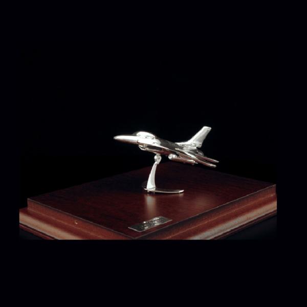 Ασημένια Μινιατούρα Αεροπλάνο F16 17x13x10cm
