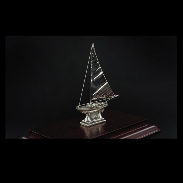 Ασημένια Μινιατούρα Ιστιοπλοϊκό 15x9x12 cm